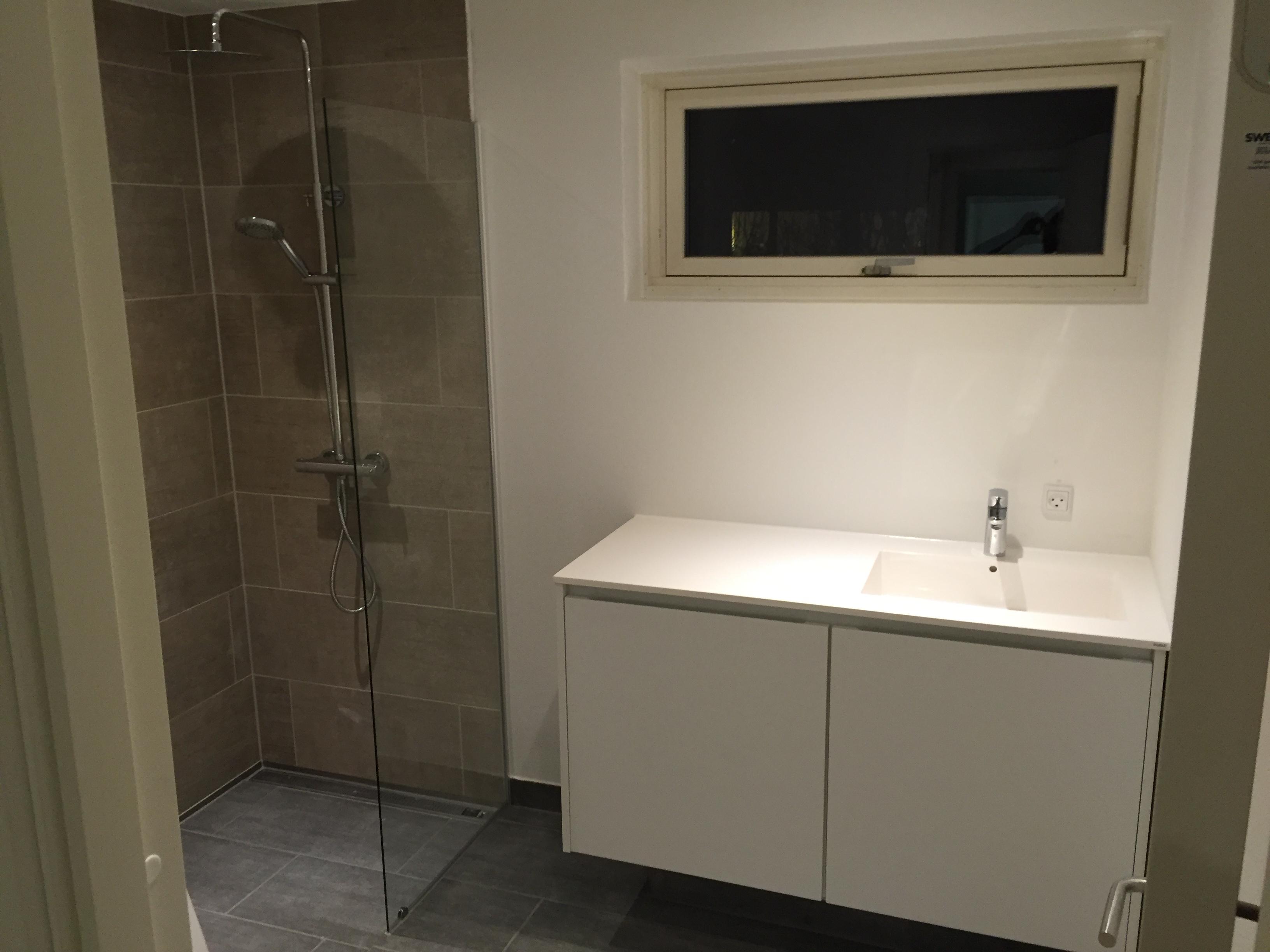 Nyt badeværelse i total renoveret hus - Toft Byg